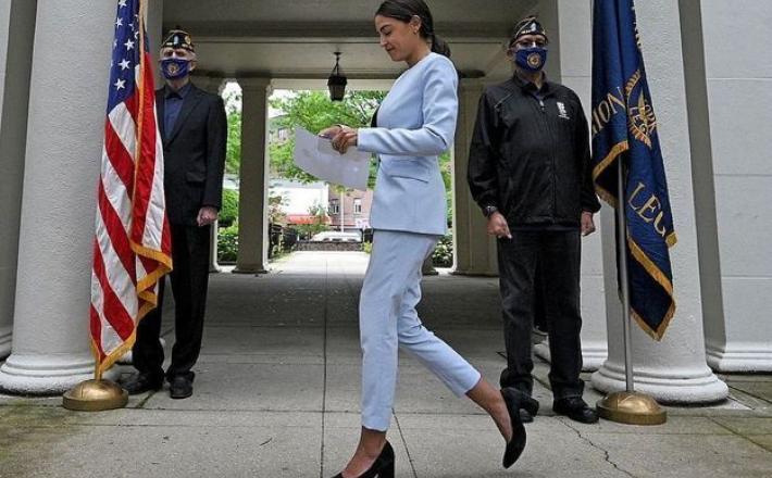 Faut-il continuer à commenter le style des femmes politiques ? ©abaca press