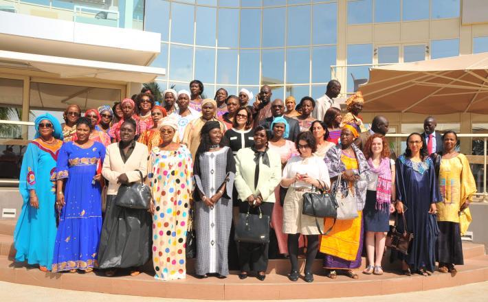 représentantes et représentants d'Observatoires nationaux sur l'égalité de genre et d'institutions assimilées de 17 pays (dont 16 africains) membres de l'OIF