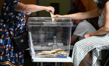 Vote à Lyon le 20 juin 2021 pour les élections régionales. PHILIPPE DESMAZES / AFP