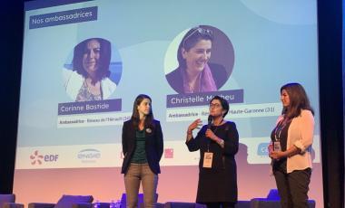 Julia Mouzon, fondatrice d'Elues locales, Christelle Matheu, maire de Lamasquère, et Corinne Bastide, conseillère municipale de Marseillan.