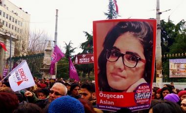 Manifestation à Istanbul après la mort  d'Özgecan Aslan- ©Voice of America