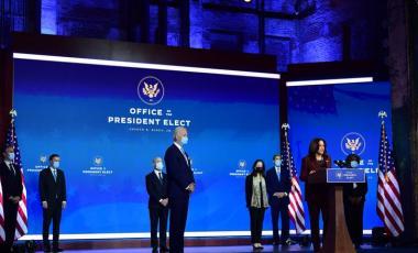 Joe Biden et Kamala Harris le 24 novembre, annonçant les premières nominations de l'équipe gouvernementale. MARK MAKELA/AFP