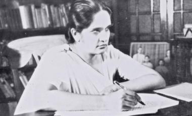 Sri Lanka's Sirimavo Bandaranaike, the world's first female prime minister, on July 21, 1960.