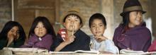 Jeunes Indiens Salasaca à Ambato, au sud de Quito-UN Photo/Milton Grant