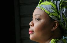 Leymah Roberta Gbowee est une militante pacifiste libérienne qui a dirigé un mouvement de paix lancés par des femmes qui a contribué à mettre fin à la Seconde Guerre civile libérienne en 2003